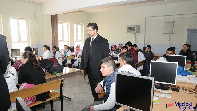 Milli Eğitim Müdürü Meslek Liselerini İnceledi